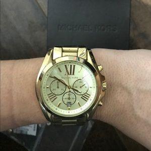 Big Hold Michael Kors watch